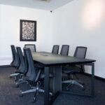 میز جلسات دکوراسیون داخلی دفتر شرکت آرکا